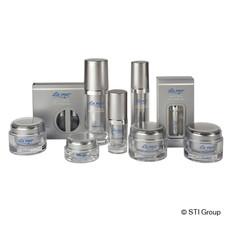 Range of finishing options for folding boxes for cosmetics